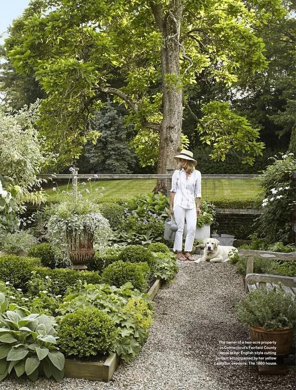 16 Delicate Garden Landscaping Design Ideas Using Rocks Stone 15