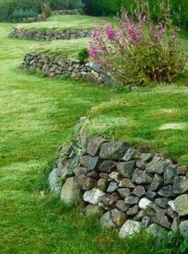 16 Delicate Garden Landscaping Design Ideas Using Rocks Stone 18