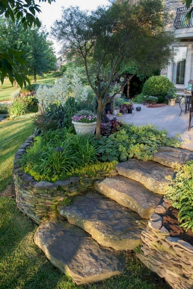 16 Delicate Garden Landscaping Design Ideas Using Rocks Stone 24