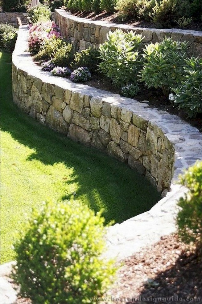 16 Delicate Garden Landscaping Design Ideas Using Rocks Stone 37