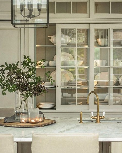 16 Elegant Living Room Shelves Decorations Ideas 45