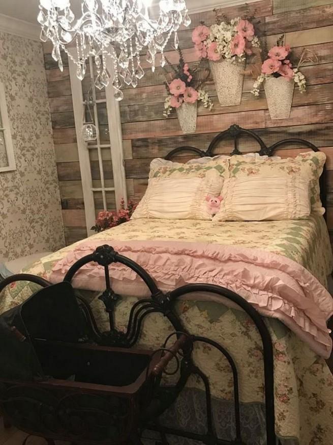 18 Shabby Chic Bedroom Design Ideas 16