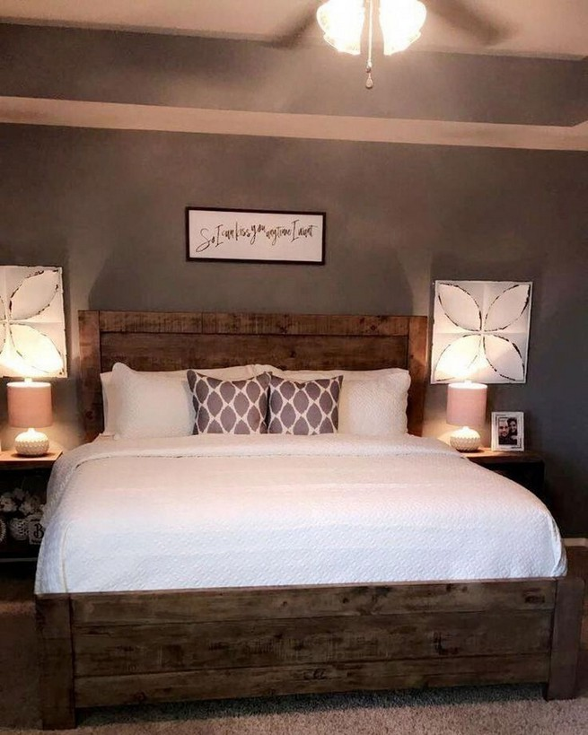 12 Unique Farmhouse Bedroom Remodel Ideas 36