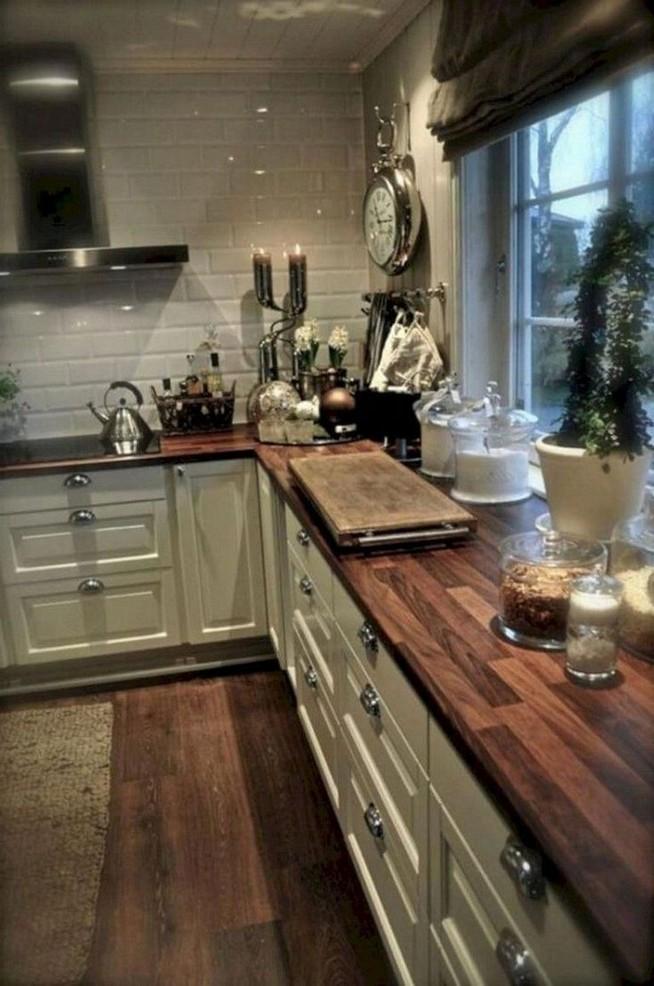 13 Creative Farmhouse Kitchen Decor Ideas 22