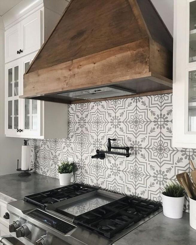 13 Creative Farmhouse Kitchen Decor Ideas 33