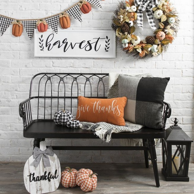 15 Inspiring Farmhouse Fall Decor Ideas 09