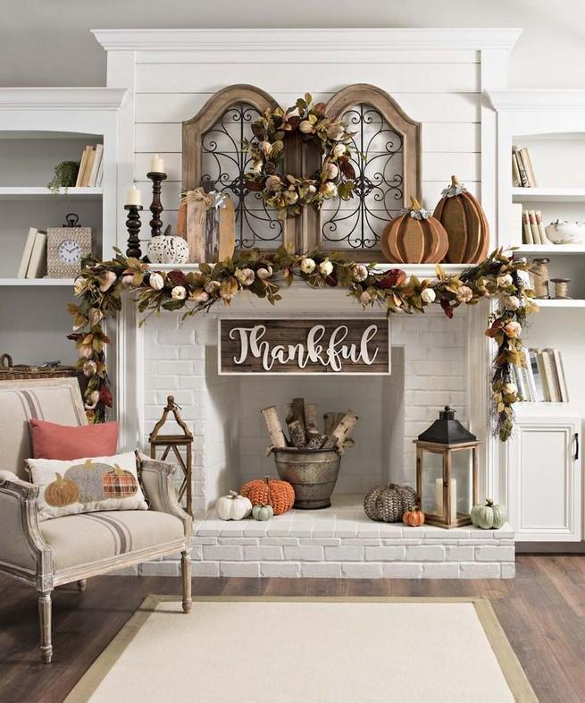 15 Inspiring Farmhouse Fall Decor Ideas 27