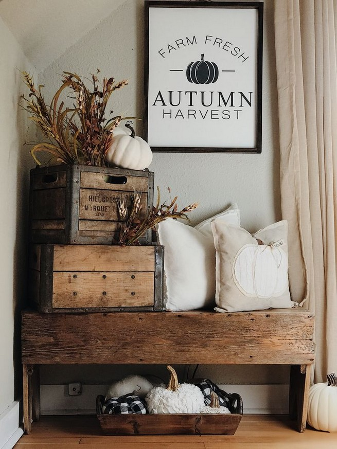 15 Inspiring Farmhouse Fall Decor Ideas 35