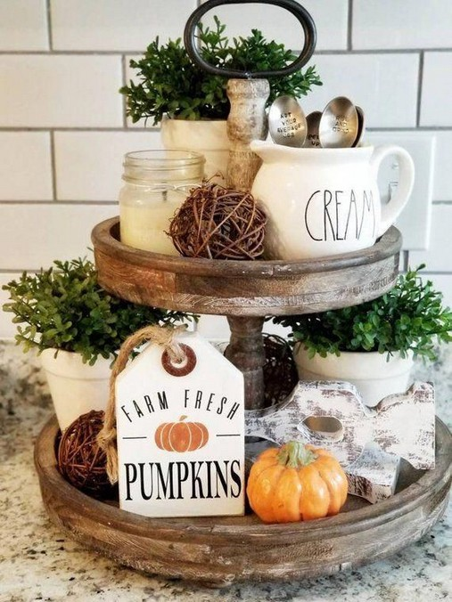15 Inspiring Farmhouse Fall Decor Ideas 39