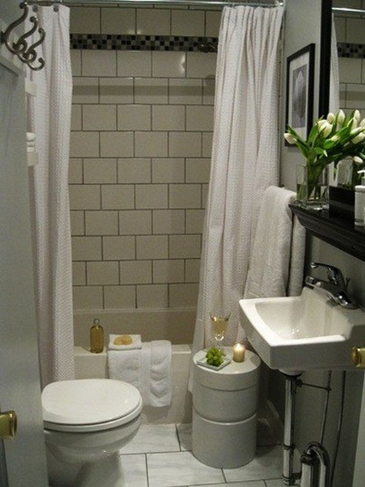 17 Fabulous Small Yet Functional Bathroom Design Ideas 58
