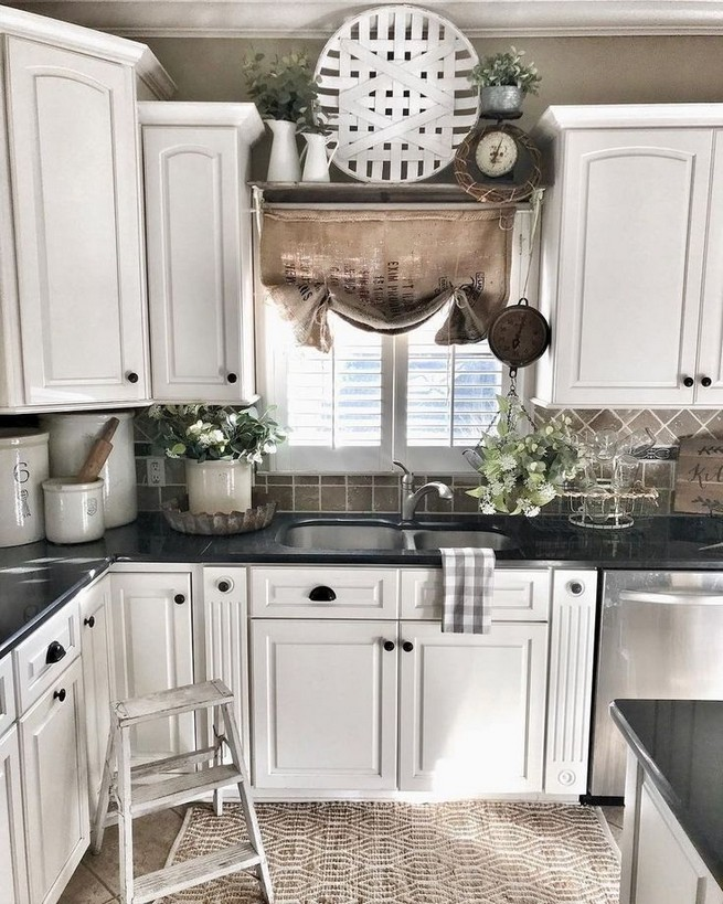 18 Awesome Modern Farmhouse Kitchen Cabinets Ideas 39