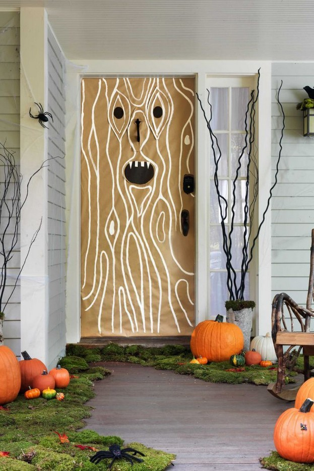 19 Amazing Halloween Porch Ideas 23