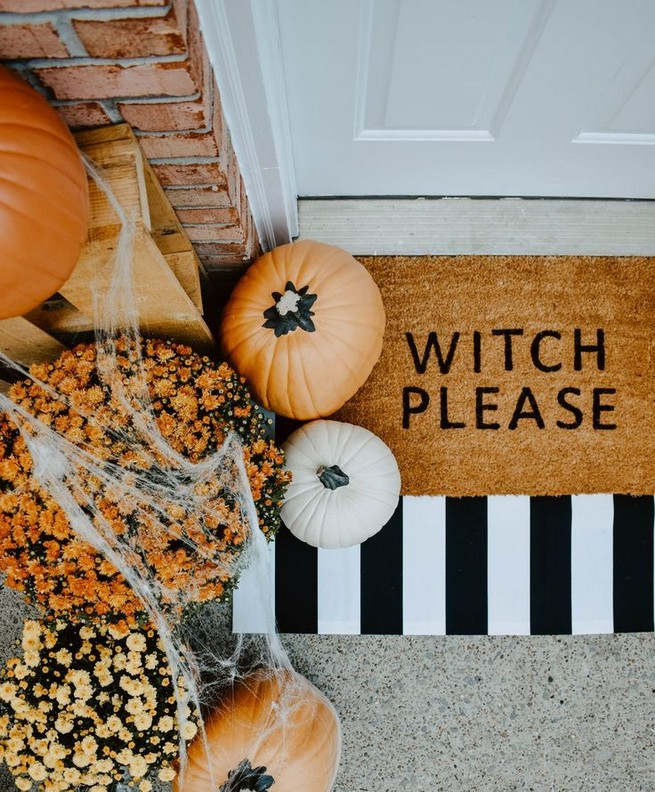 19 Cozy Outdoor Halloween Decorations Ideas 08