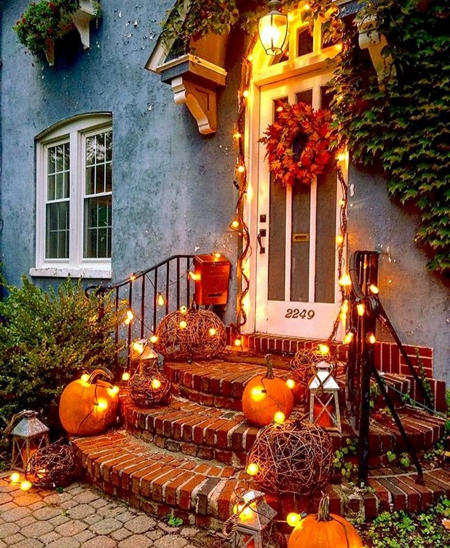 19 Cozy Outdoor Halloween Decorations Ideas 22