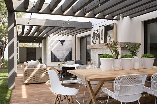 19 Stunning Indoor And Outdoor Beach Dining Spaces Ideas 37
