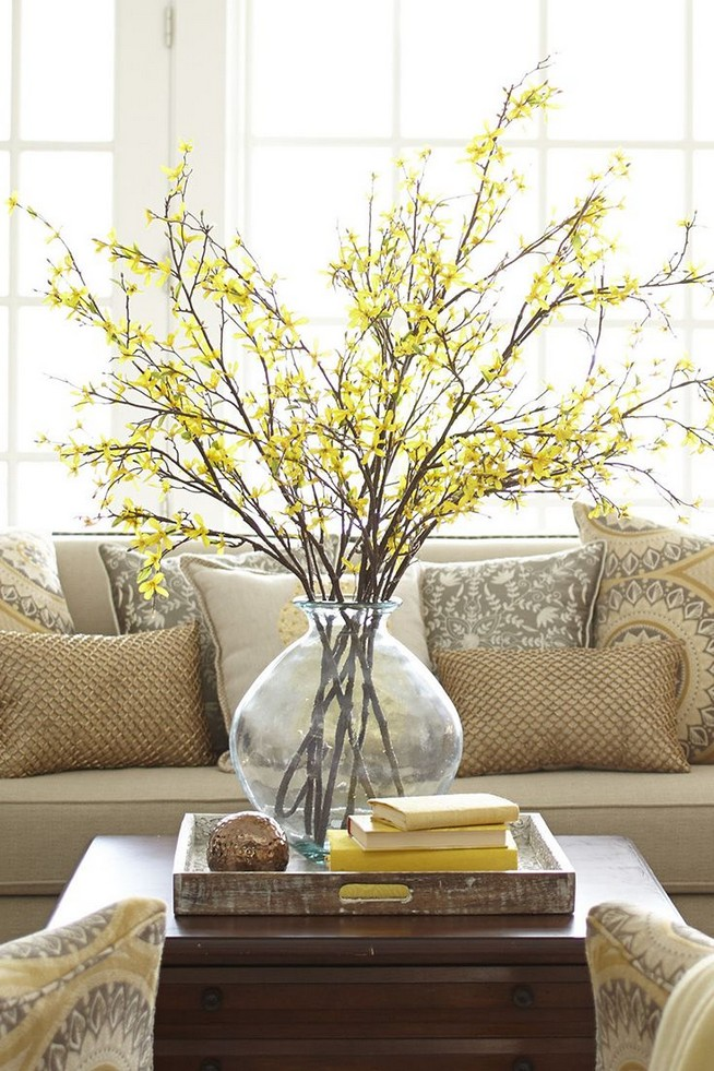 20 Lovely Winter Coffee Table Decoration Ideas 13