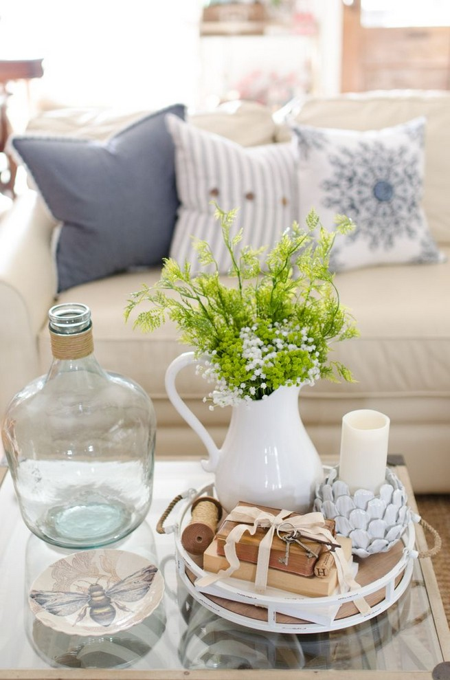 20 Lovely Winter Coffee Table Decoration Ideas 18