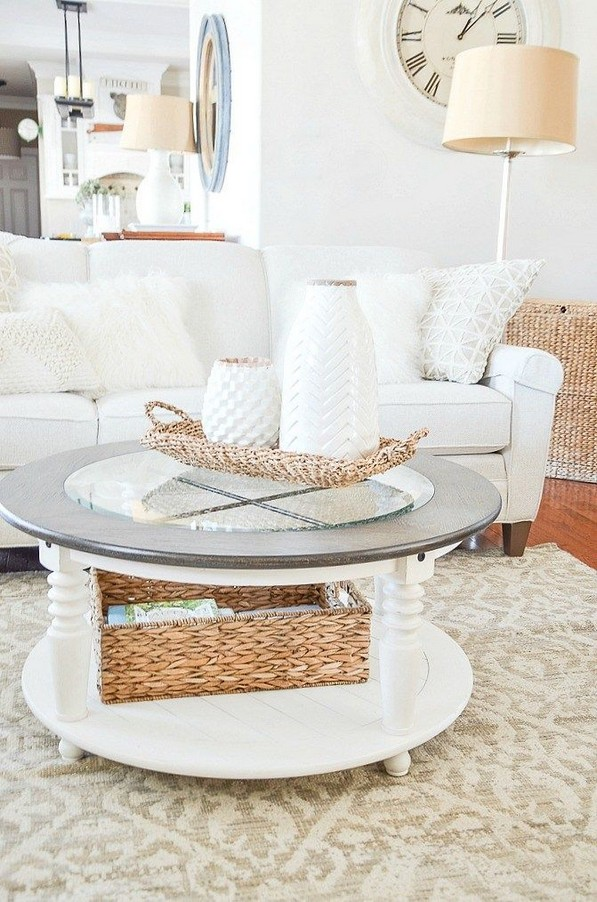 20 Lovely Winter Coffee Table Decoration Ideas 35