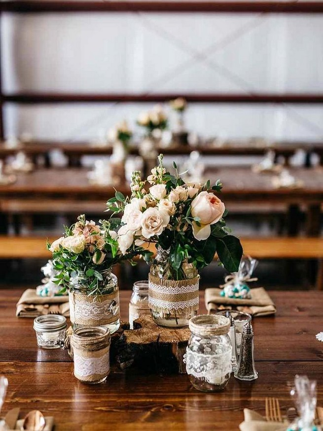 21 Romantic Rustic Winter Wedding Table Decoration Ideas 30
