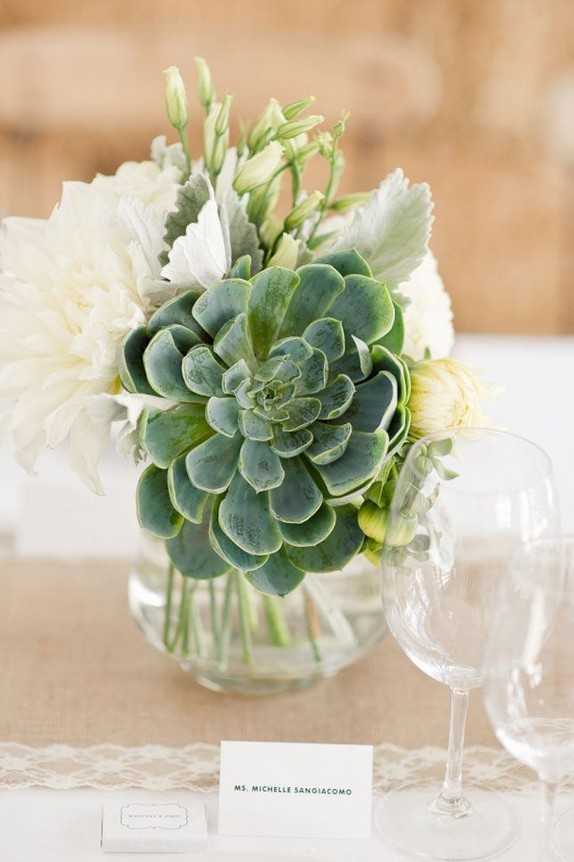21 Romantic Rustic Winter Wedding Table Decoration Ideas 67