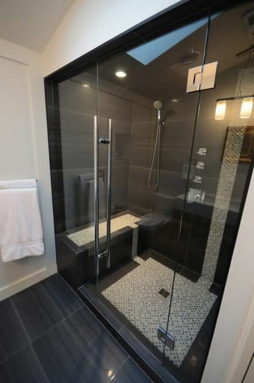 23 Stunning Black Shower Tiles Design Ideas For Bathroom 40