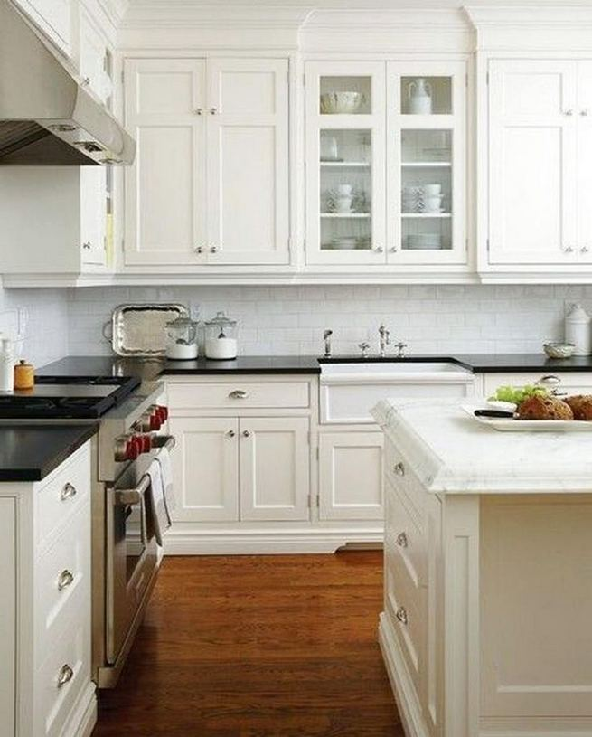 15 Affordable Black And White Kitchen Cabinets 37