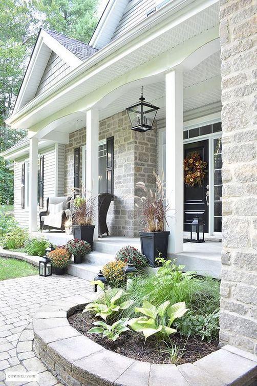 15 Elegant Front Sidewalk Landscaping Ideas 21