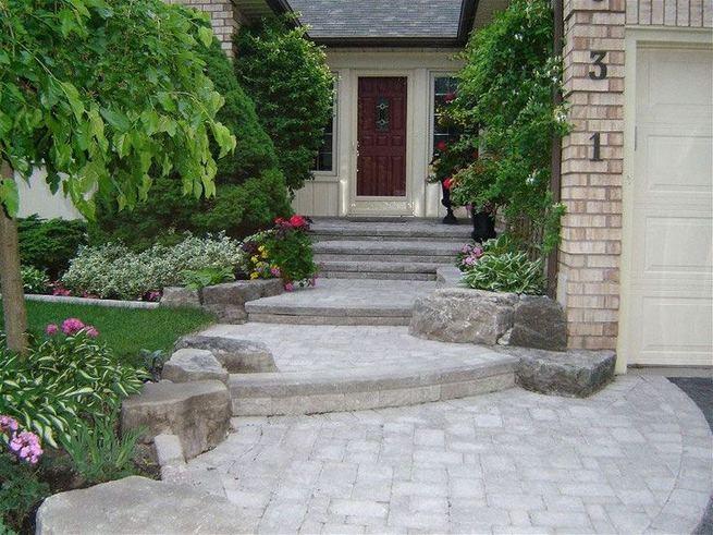 15 Elegant Front Sidewalk Landscaping Ideas 25
