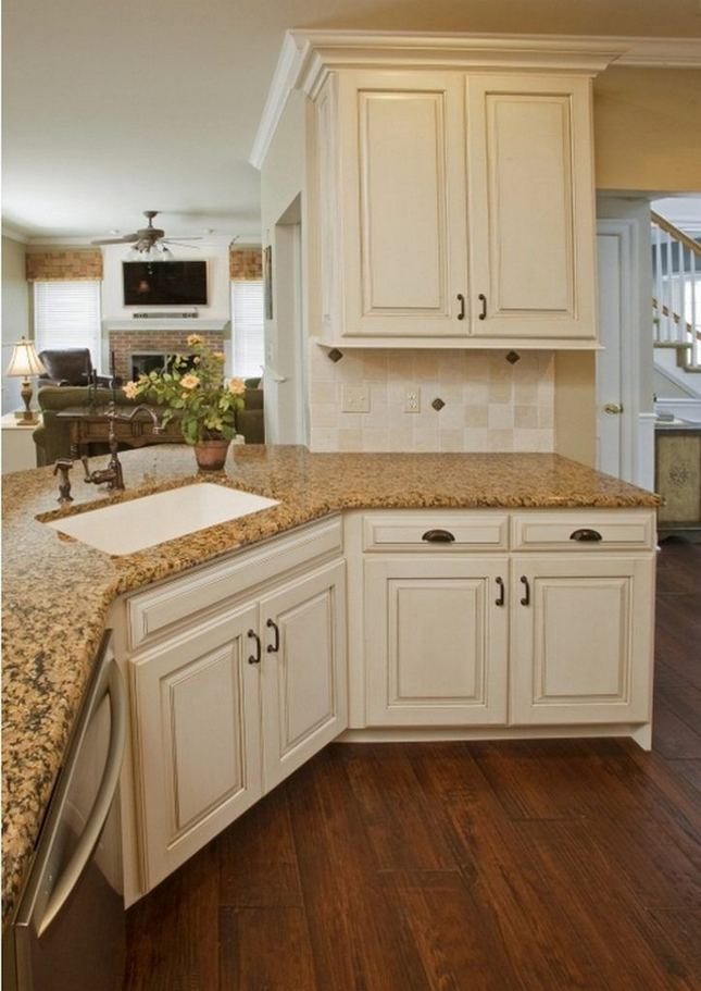 18 Easy Kitchen Cabinet Painting Ideas 15