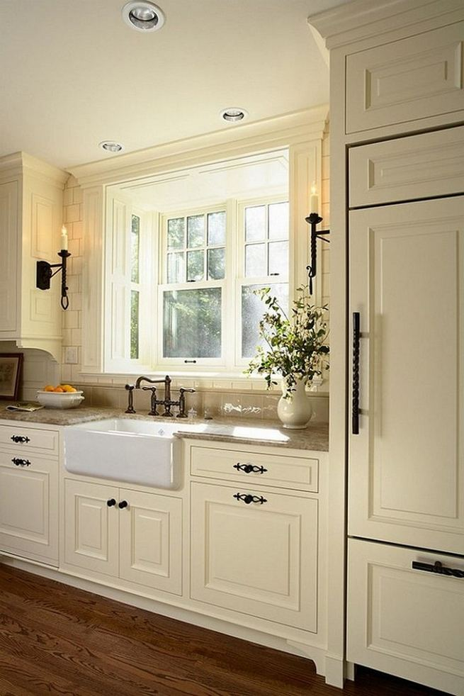 18 Easy Kitchen Cabinet Painting Ideas 27