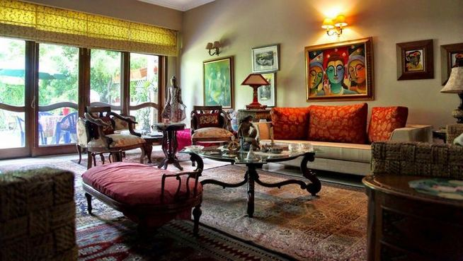 22 Gorgeous Traditional Indian Carpet Designs For Living Room 43