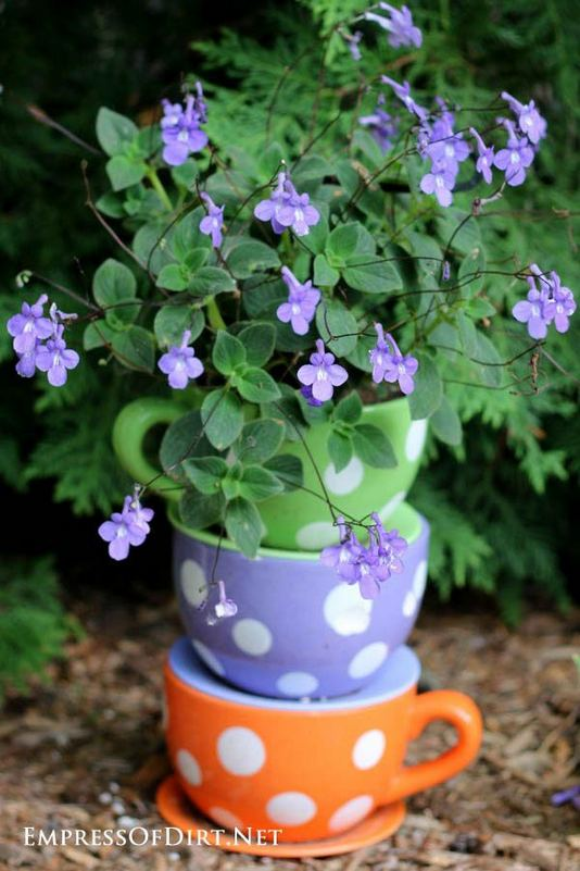 13 Brilliant Flower Pots Ideas For Your Garden 31