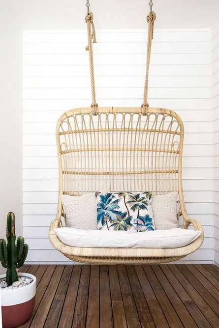 16 Adorable Rattan Hanging Chair Design Ideas 22