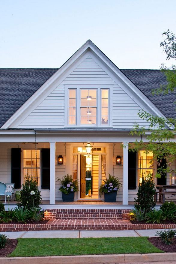 16 Best Alluring Farmhouse Front Porch Decoration Ideas 25