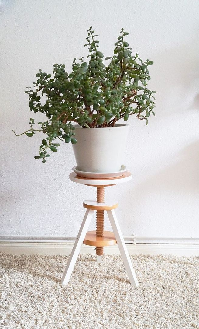 16 Creative DIY Tall Pots Planters Ideas For Modern Garden 15