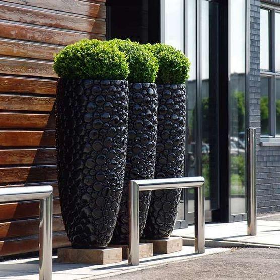 16 Creative DIY Tall Pots Planters Ideas For Modern Garden 19