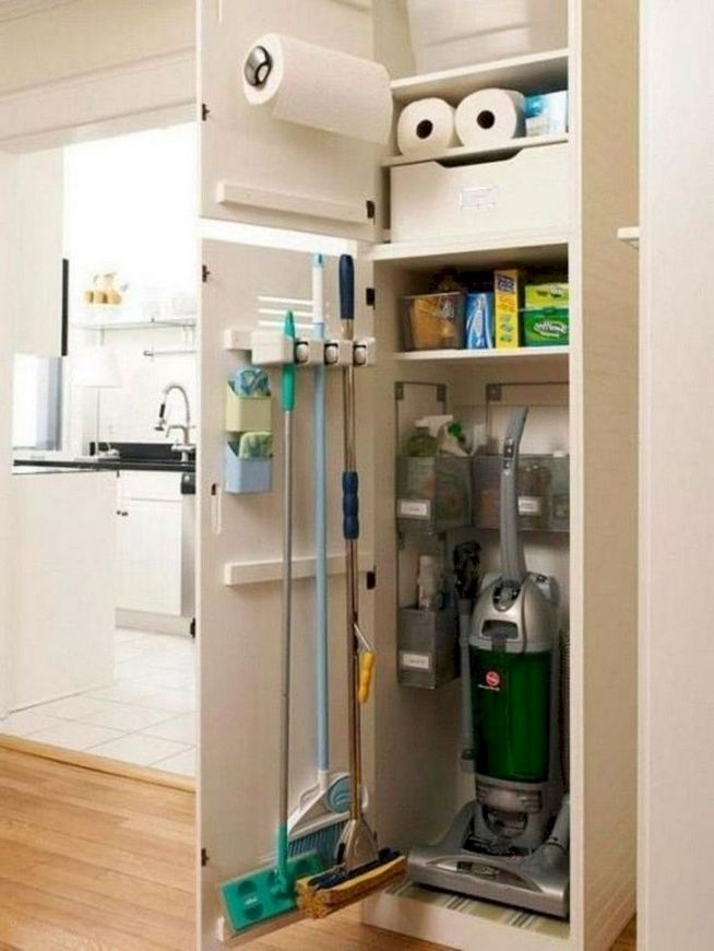 17 Adorable Space Saving Kitchen Pantry Ideas 04