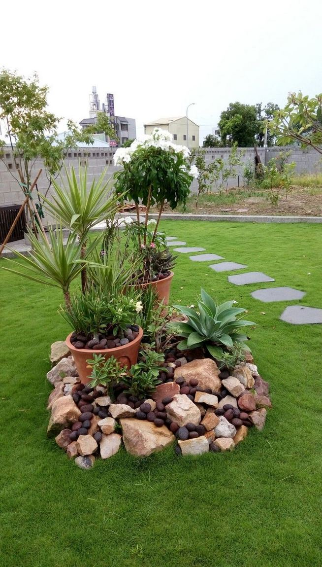 22 Beautiful Small Backyard Gardening Ideas With Indian Style 03