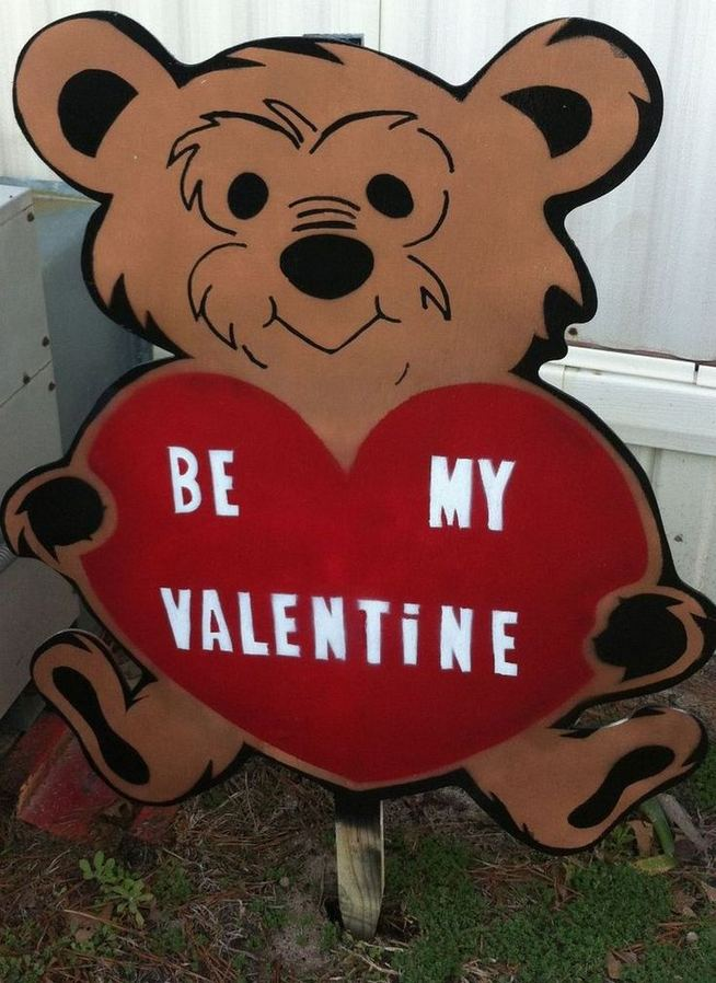12 Adorable Valentines Outdoor Decorations Ideas 12