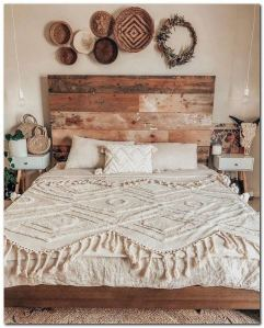 16 Comfy Farmhouse Bedroom Decor Ideas 23