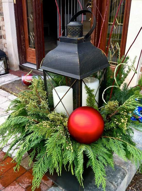 16 Splendid Outdoor Planter Ideas In The Winter Season 36
