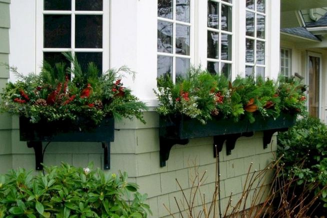 16 Splendid Outdoor Planter Ideas In The Winter Season 37