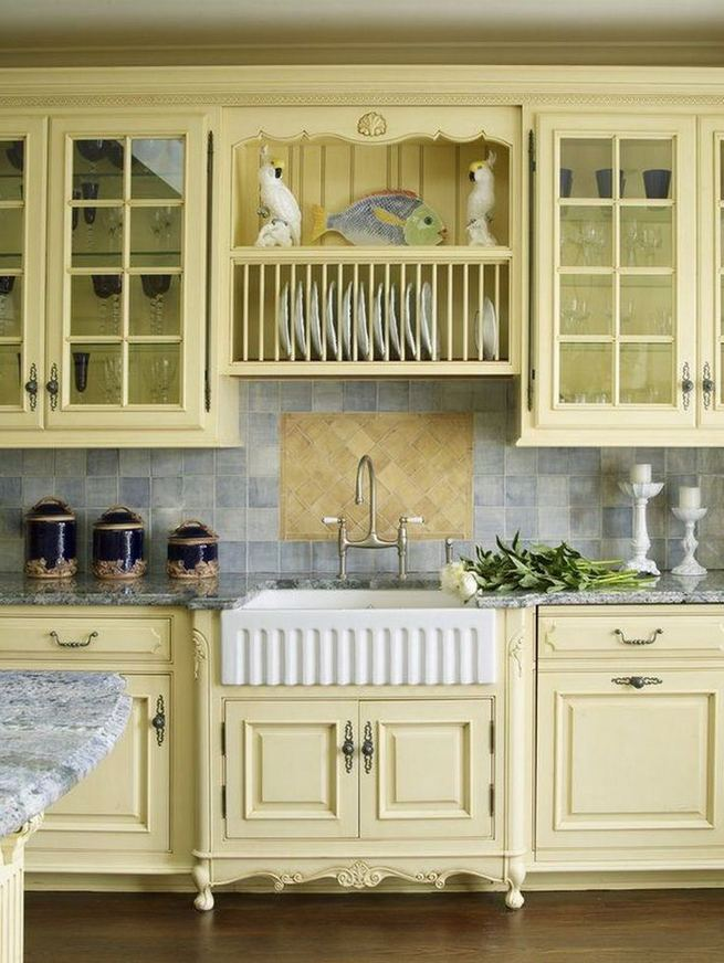 17 Inspiring Country Style Cottage Kitchen Cabinets Ideas 22