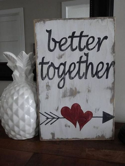 19 Awesome Valentines Signs Design Ideas 05
