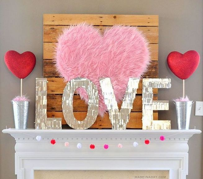 19 Awesome Valentines Signs Design Ideas 06