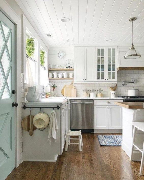 22 Stunning Farmhouse Style Cottage Kitchen Cabinets Ideas 28