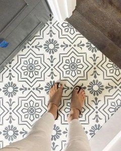 12 Beautiful Laundry Room Tile Pattern Design Ideas 16