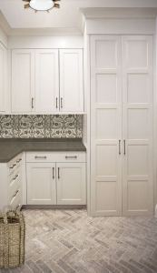 12 Beautiful Laundry Room Tile Pattern Design Ideas 20