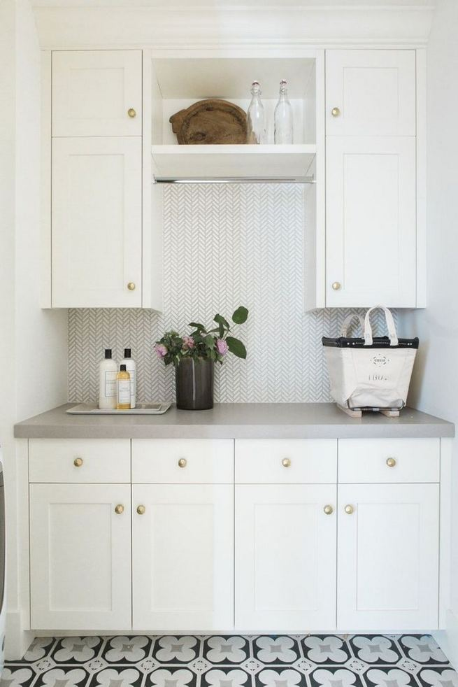 12 Beautiful Laundry Room Tile Pattern Design Ideas 30