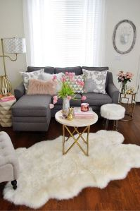 12 Cozy Soft White Couch Design Ideas For Small Living Room 04